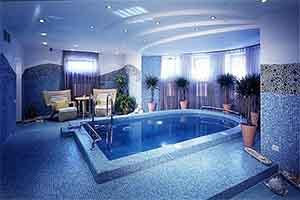 Пример дизайна бассейна в доме