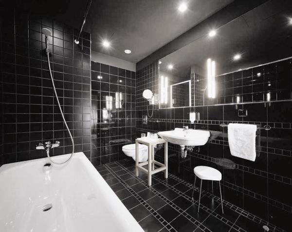 черно белый интерьер ванной комнаты фото 7