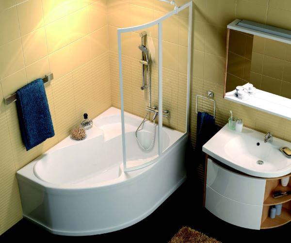 угловые ванны фото в маленьких ванных