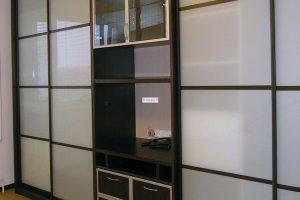 шкаф-купе в гостиную фото 29