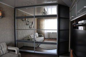 шкаф-купе в гостиную фото 34