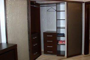 угловой шкаф купе в спальню фото 15