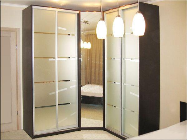 угловой шкаф купе в спальню фото 8