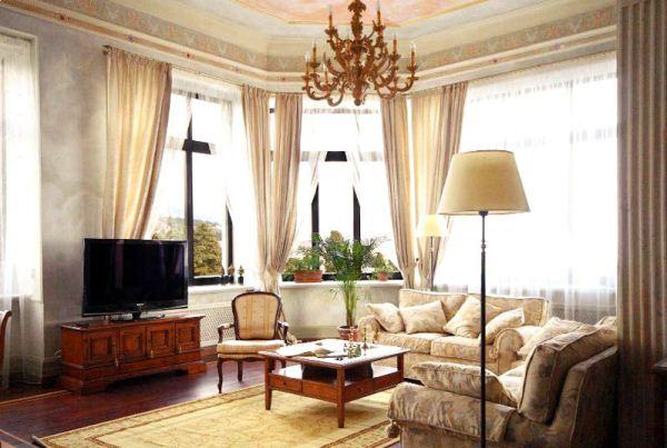 бежевые шторы в интерьере гостиной фото
