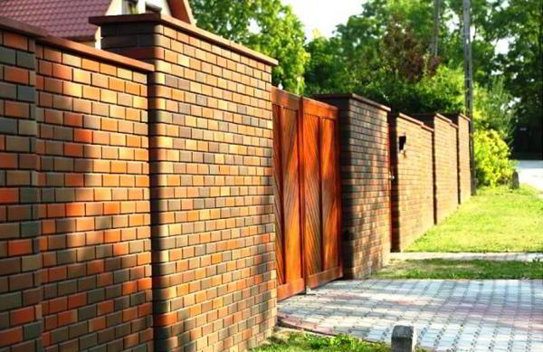 заборы для частного дома из кирпича фото 13