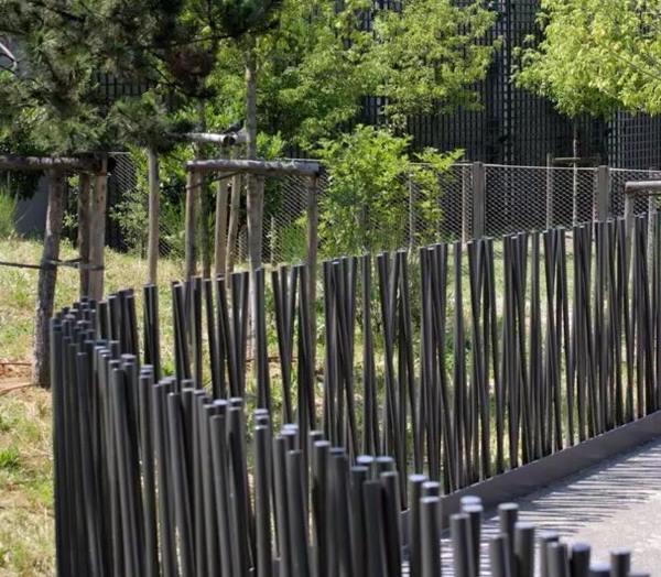 забор из металлического штакетника фото 8