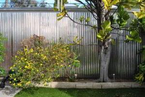 забор из профнастила фото 29