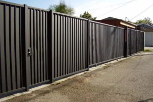 забор из профнастила фото 30