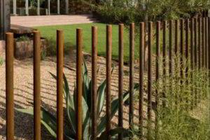 забор из штакетника фото 20