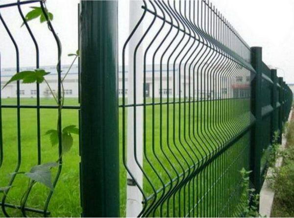 забор из сварной сетки с полимерным покрытием фото 2