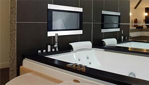телевизор в ванной фото
