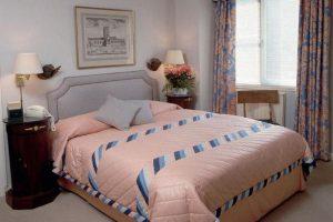 интерьер малогабаритной спальни фото 50
