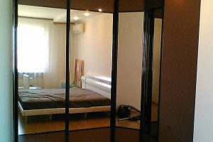 угловой шкаф купе в спальню фото 16
