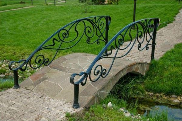 мостик в саду своими руками фото