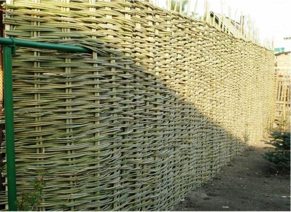плетень на даче фото 6