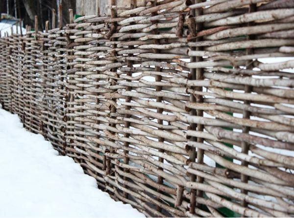 плетень на даче фото 9