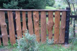забор из горбыля фото 19