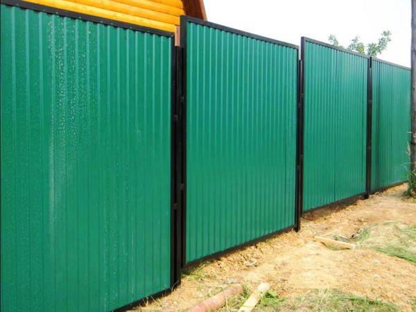 забор из профнастила фото 3