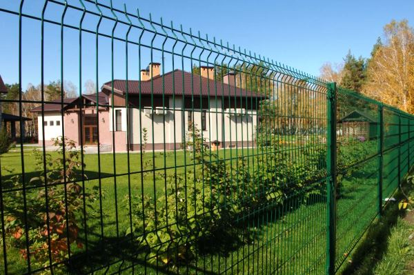 забор из сварной сетки с полимерным покрытием фото 6